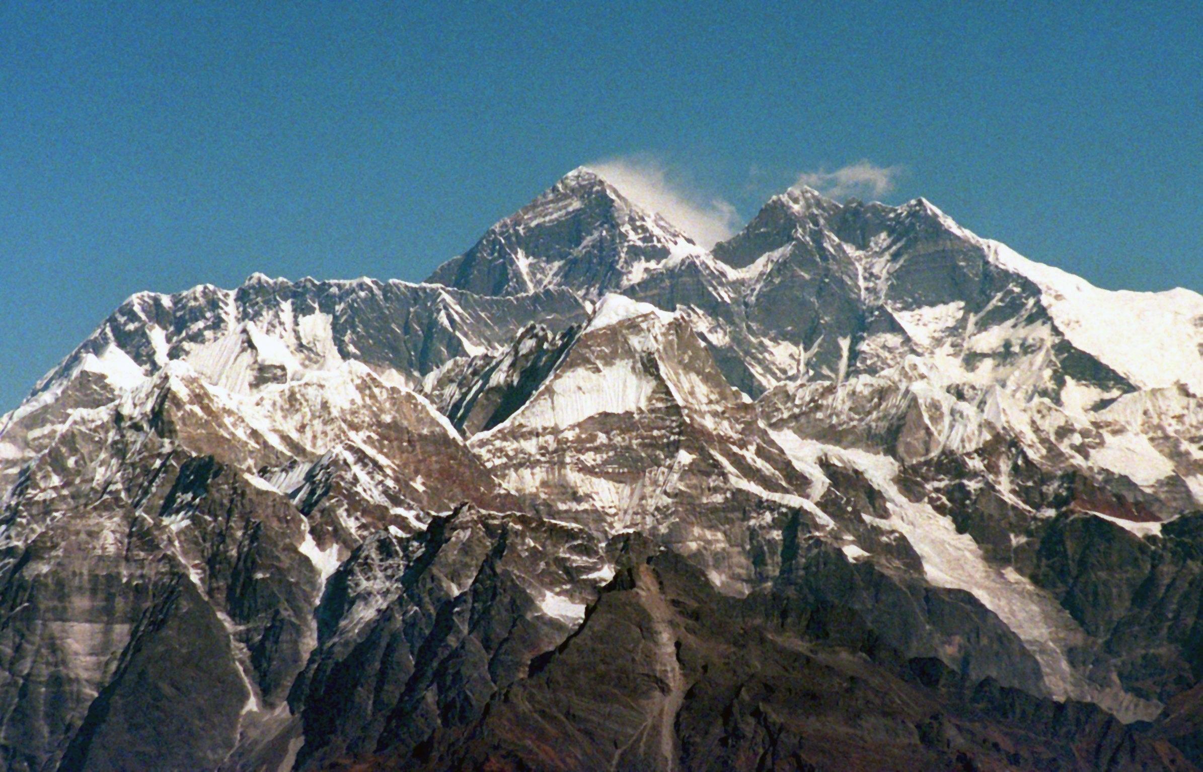 Nepal vieta scalate in solitaria Everest