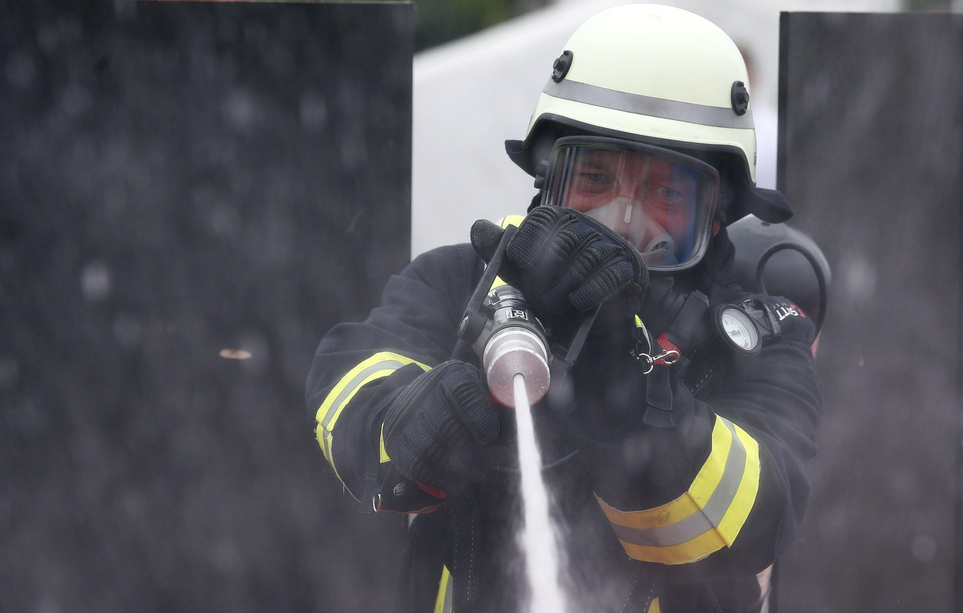 Germania: fiamme in edificio, 4 morti