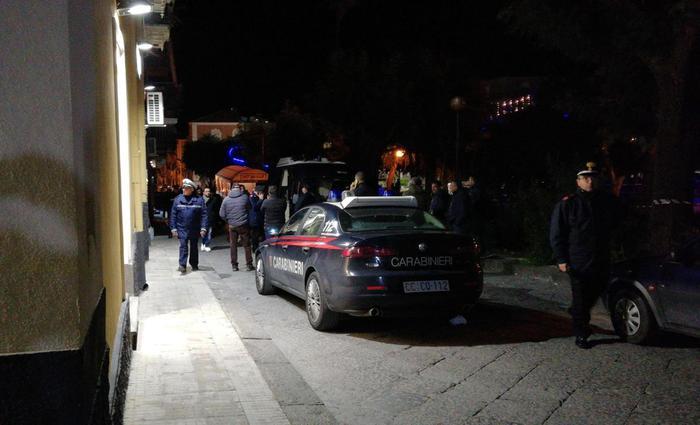 Donna uccisa a coltellate nel milanese, convivente fermato