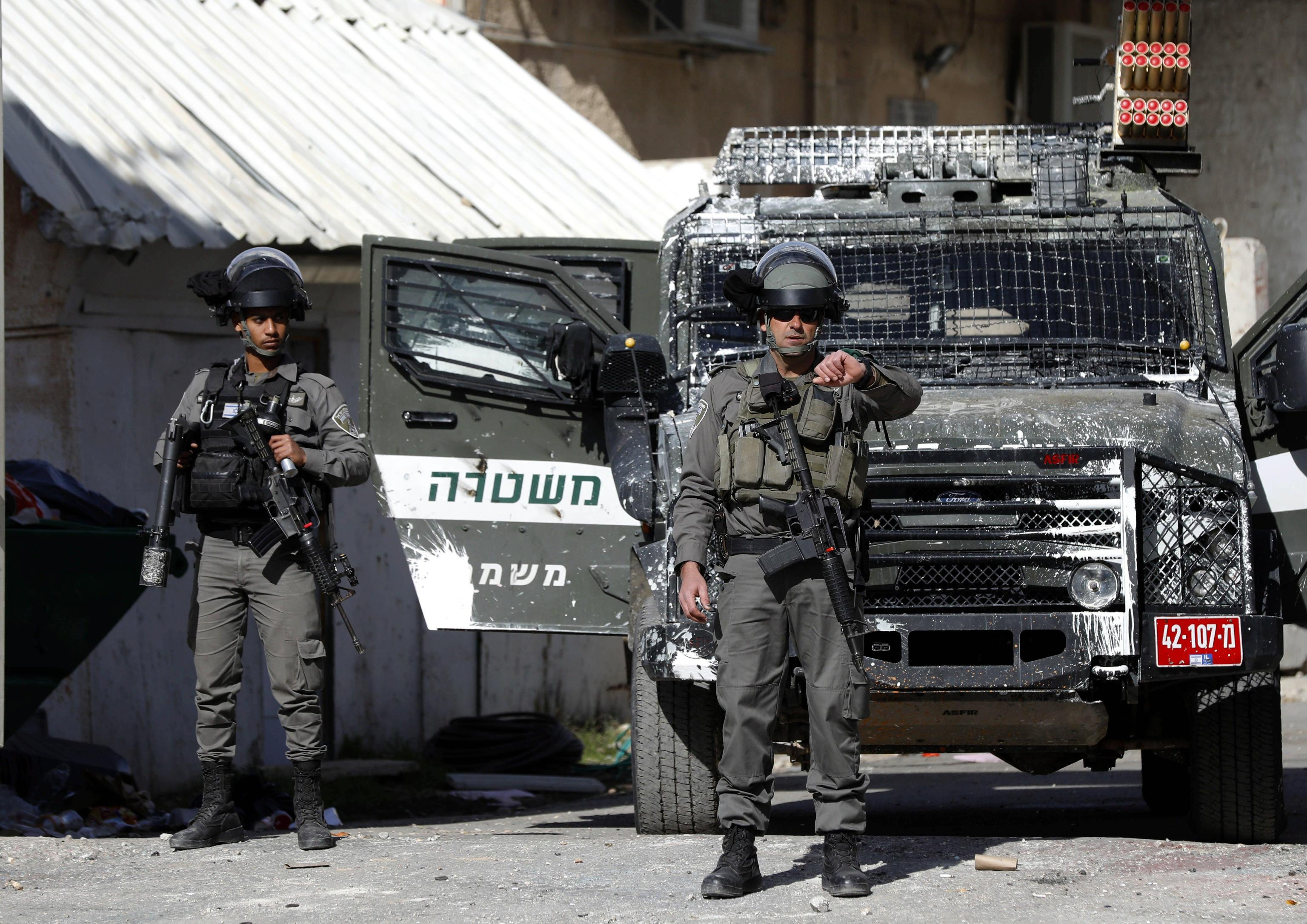 Israeliano accoltellato a stazione bus