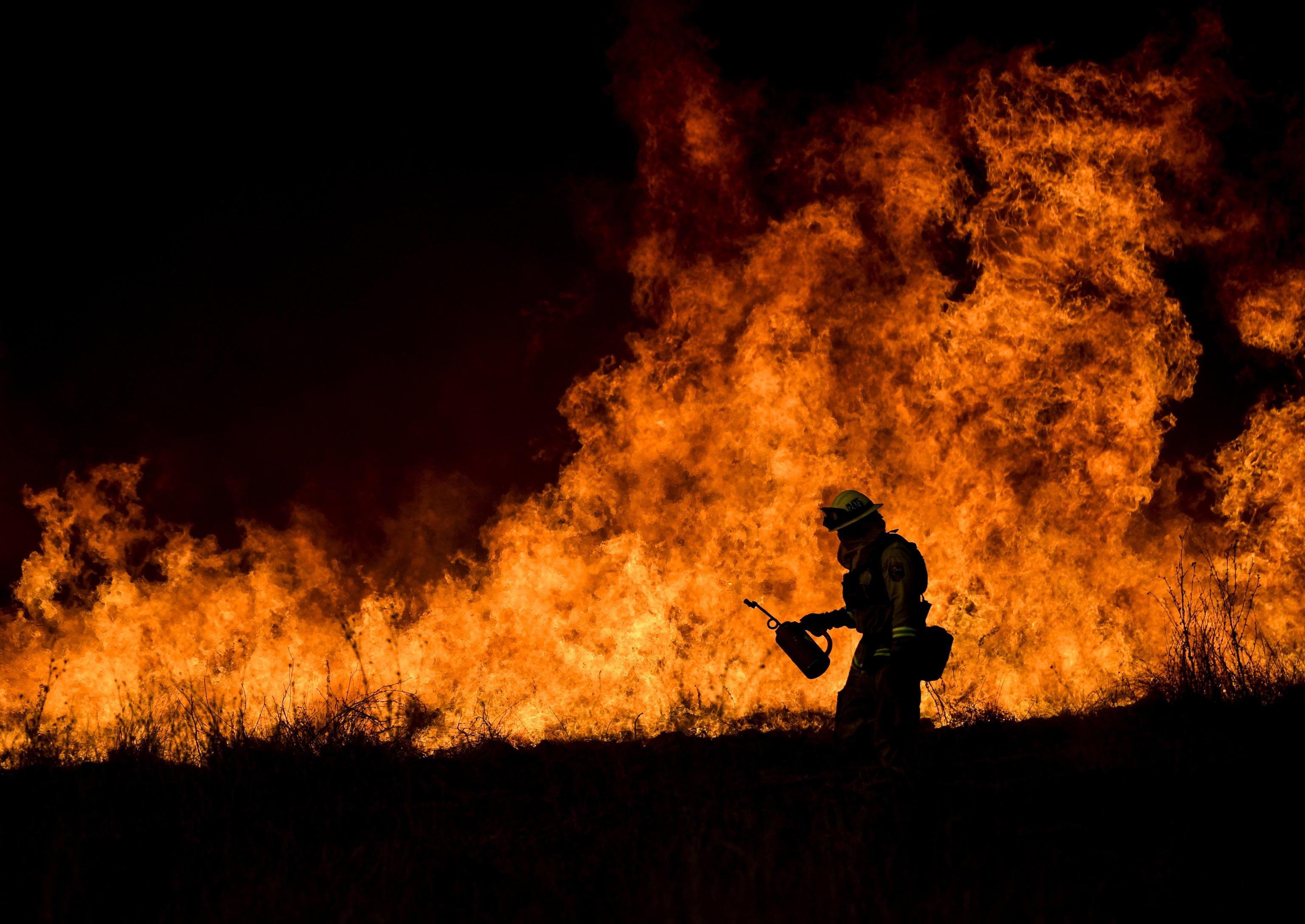 California, brucia ovest Los Angeles