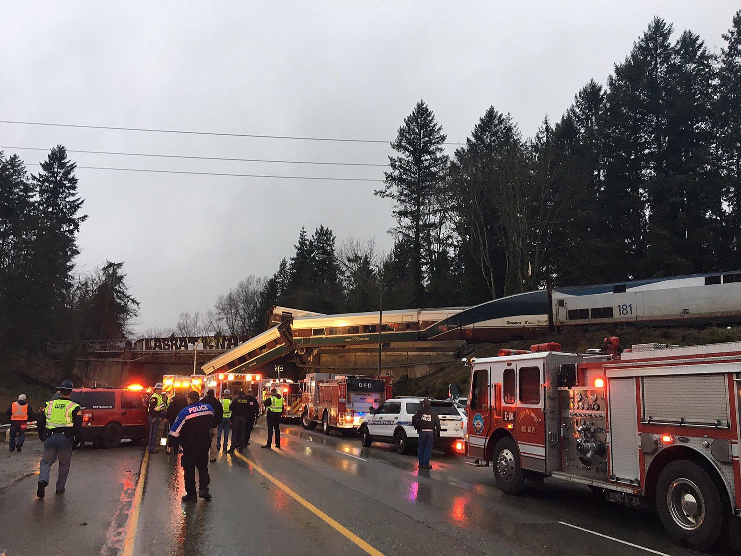 Usa: treno deragliato, almeno tre morti