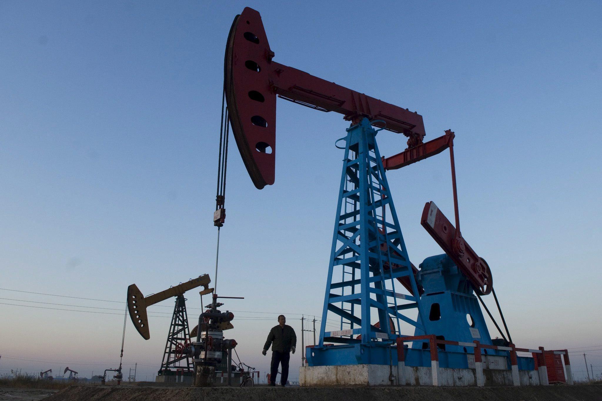 Petrolio: in rialzo a Ny a 57,59 dlr