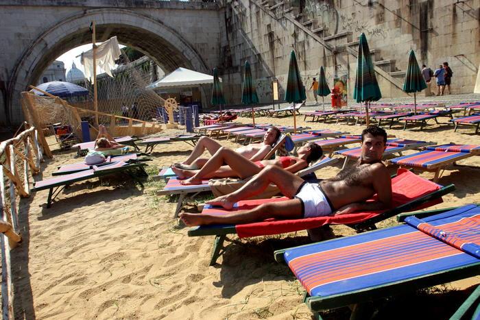 Roma: Raggi, in estate una spiaggia sul Tevere