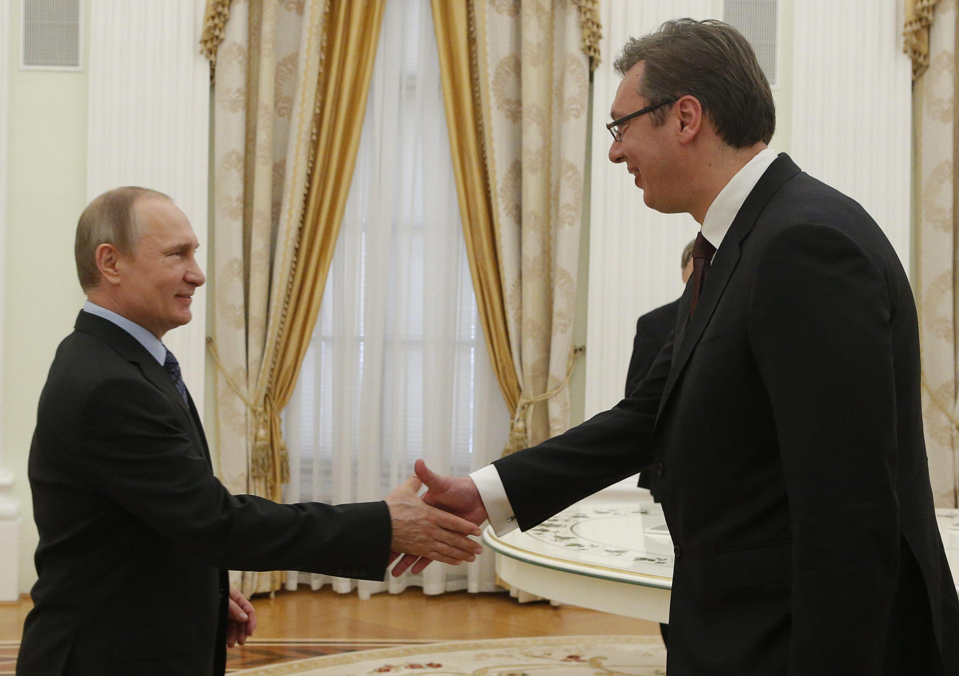 Serbia: Vucic a Mosca per intese energia