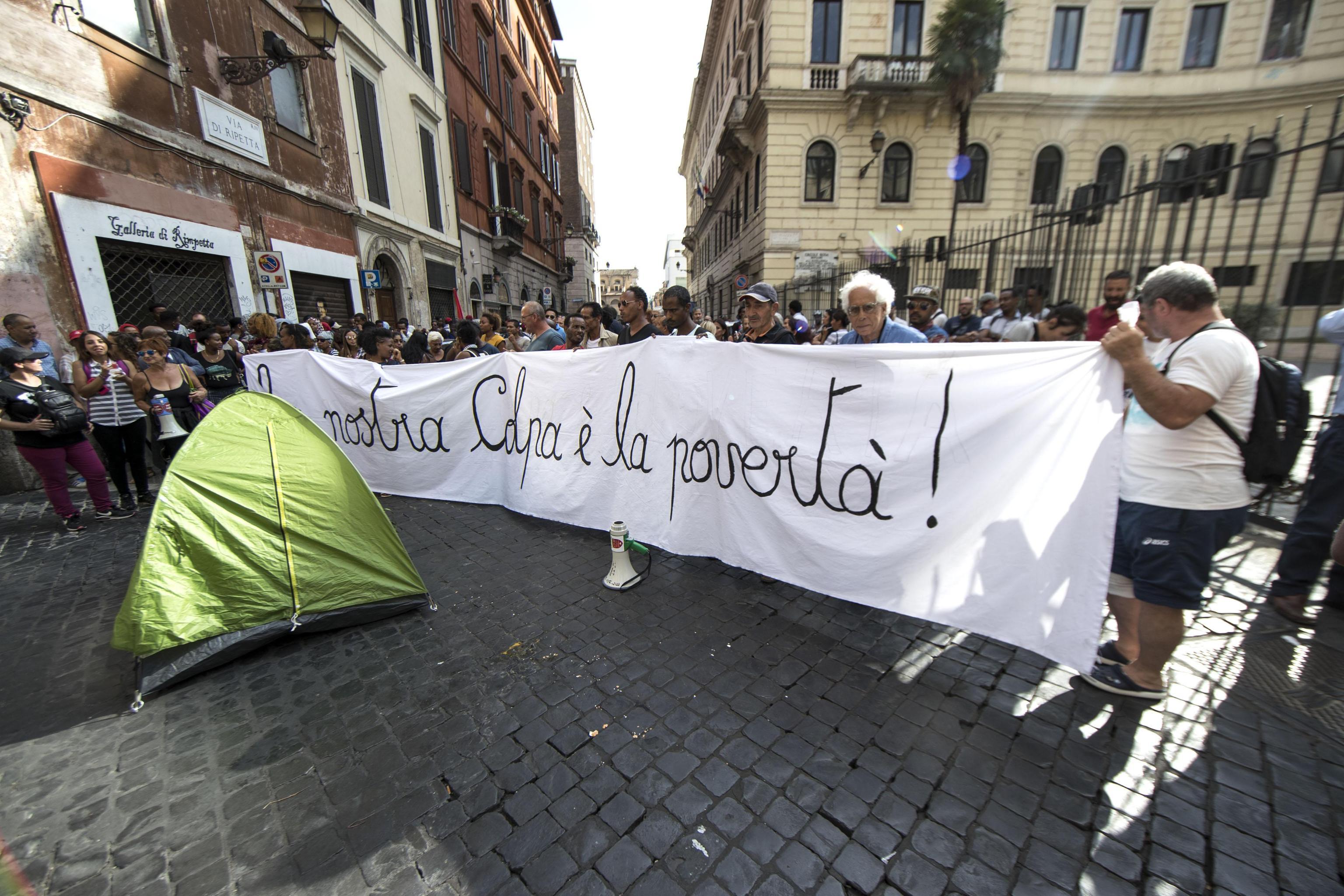 Corteo Roma: divieto caschi-fumogeni
