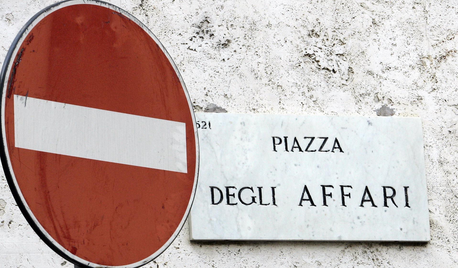 Borsa: Milano gira in negativo (-0,14%)