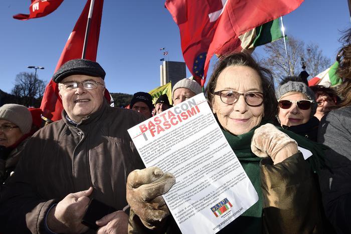 Antifascismo, il centrosinistra sfila unito a Como