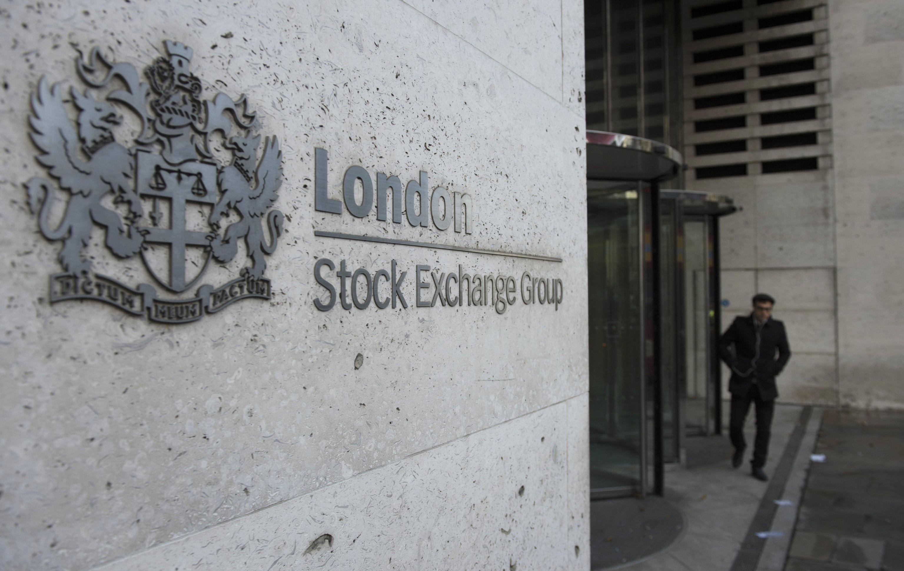 Borsa: Europa debole guarda a Fed