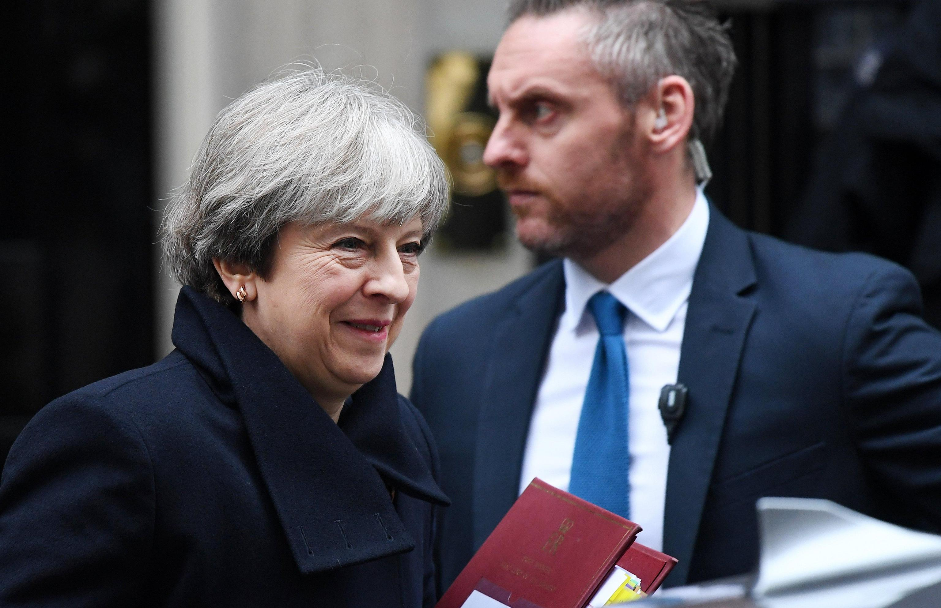 Brexit, '48 ore per chiudere o May cade'