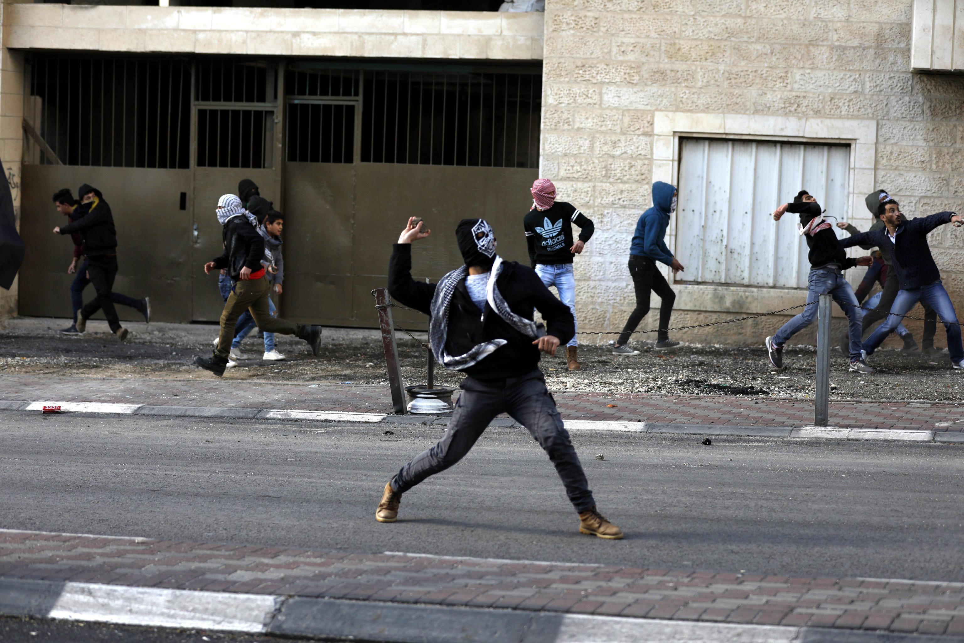 Gerusalemme: 114 feriti negli scontri