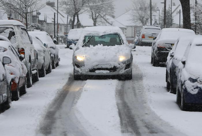 Allerta neve in Gran Bretagna, Londra imbiancata