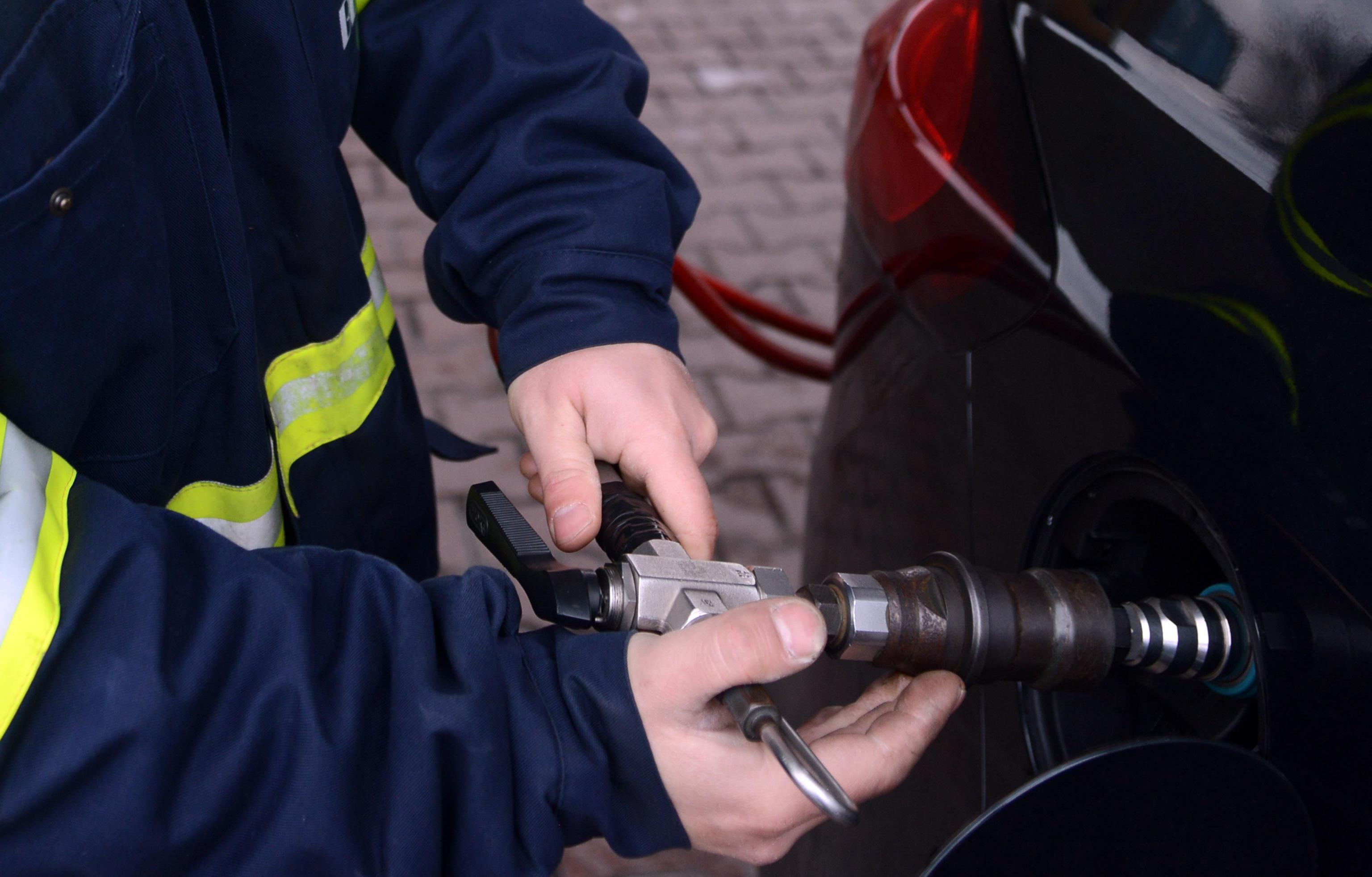 Accordo Eni-Snam per stazioni a metano