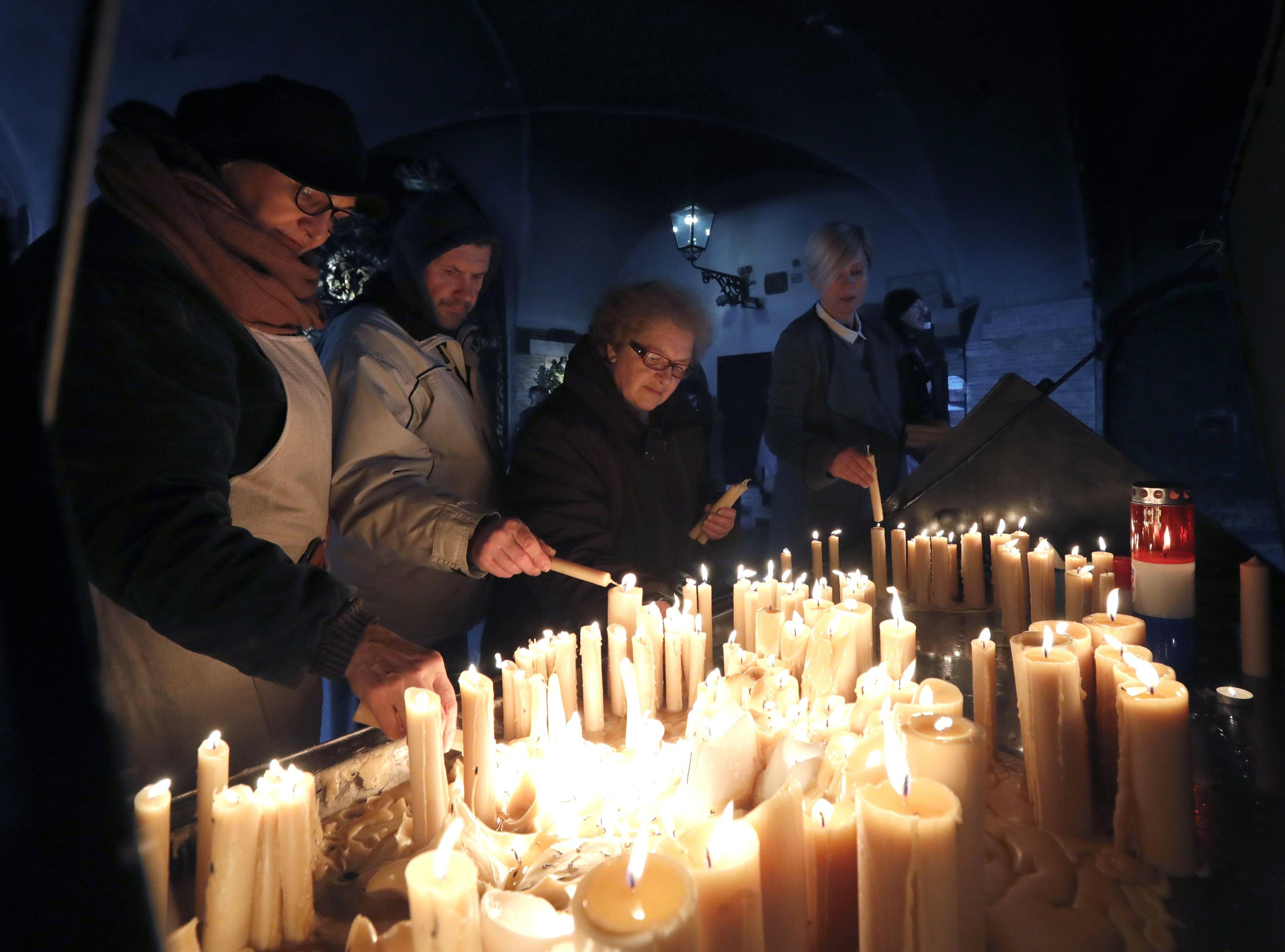 Tpi: funerale ex generale suicida
