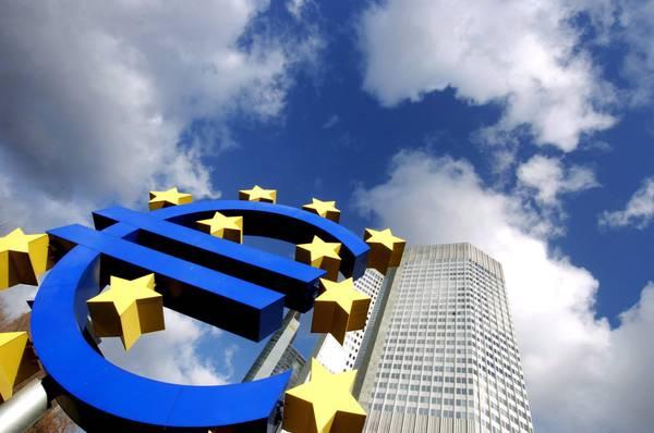 Commissione Ue presenta proposte per riforma eurozona