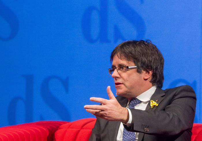 Ritirato il mandato d'arresto Ue per Puigdemont