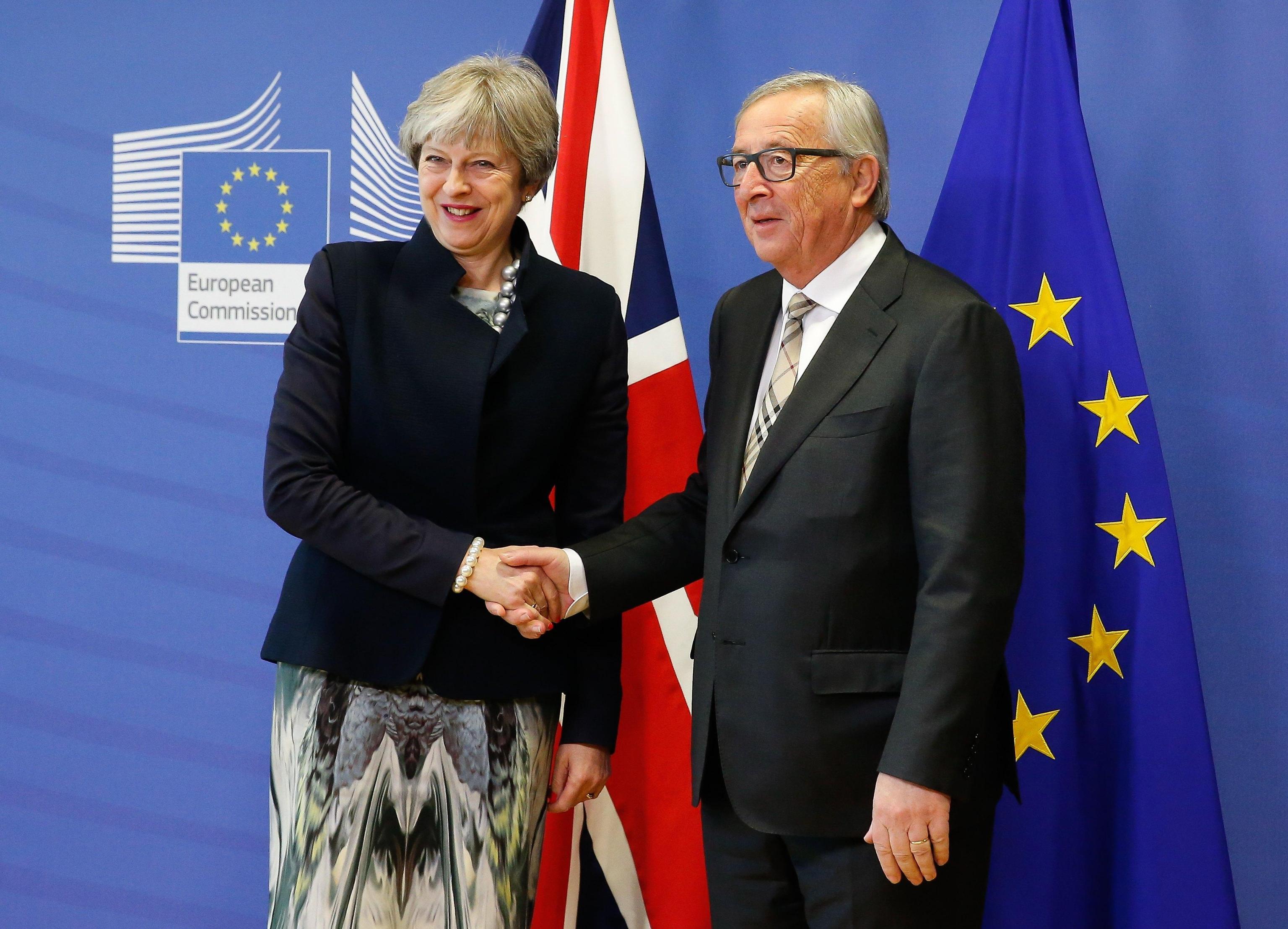 Brexit: May a Bruxelles da Juncker