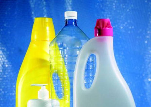 Ue vara strategia anti-plastica, raddoppio riciclo entro il 2030