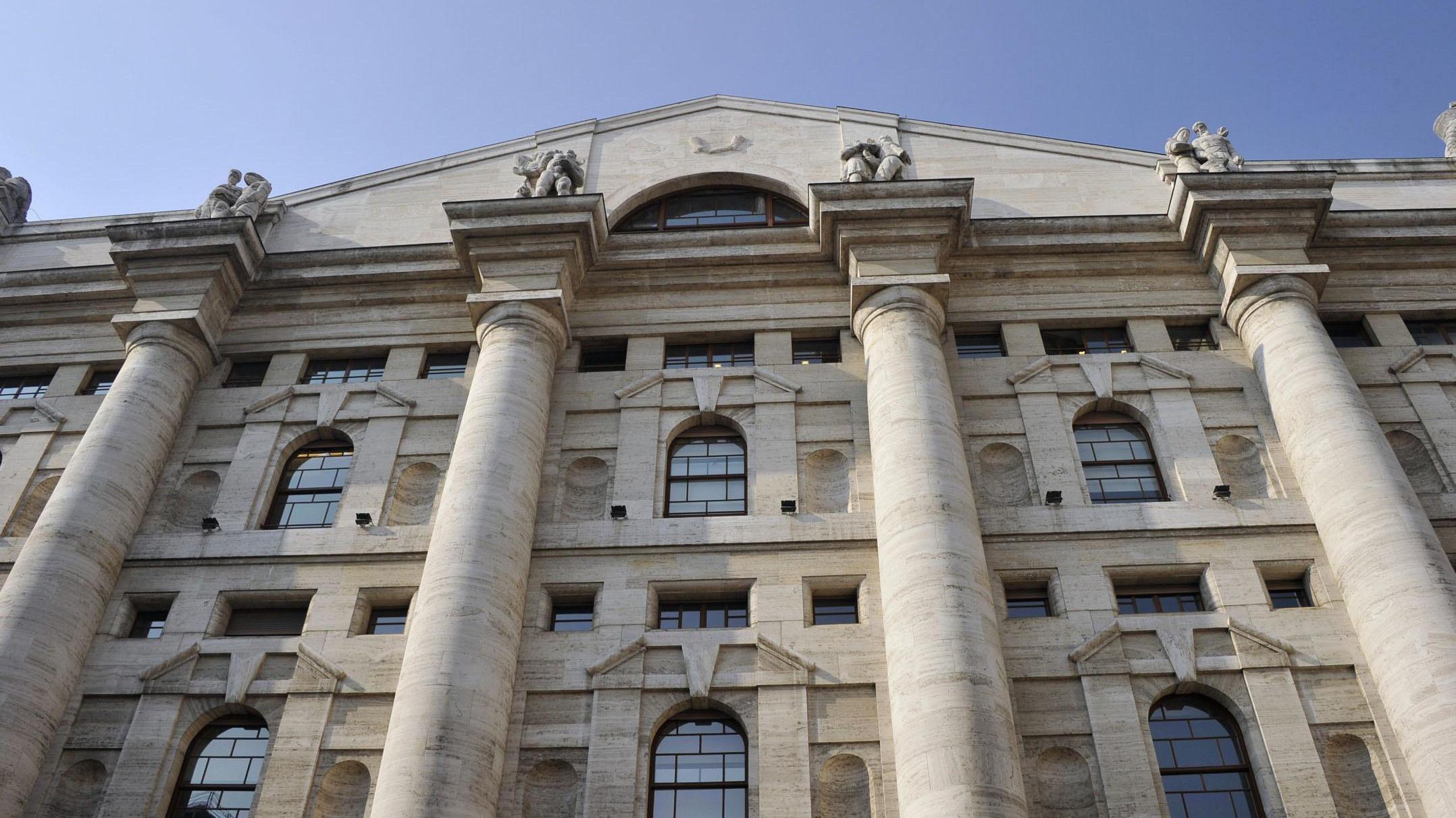 Borsa: Milano accelera con Ferragamo