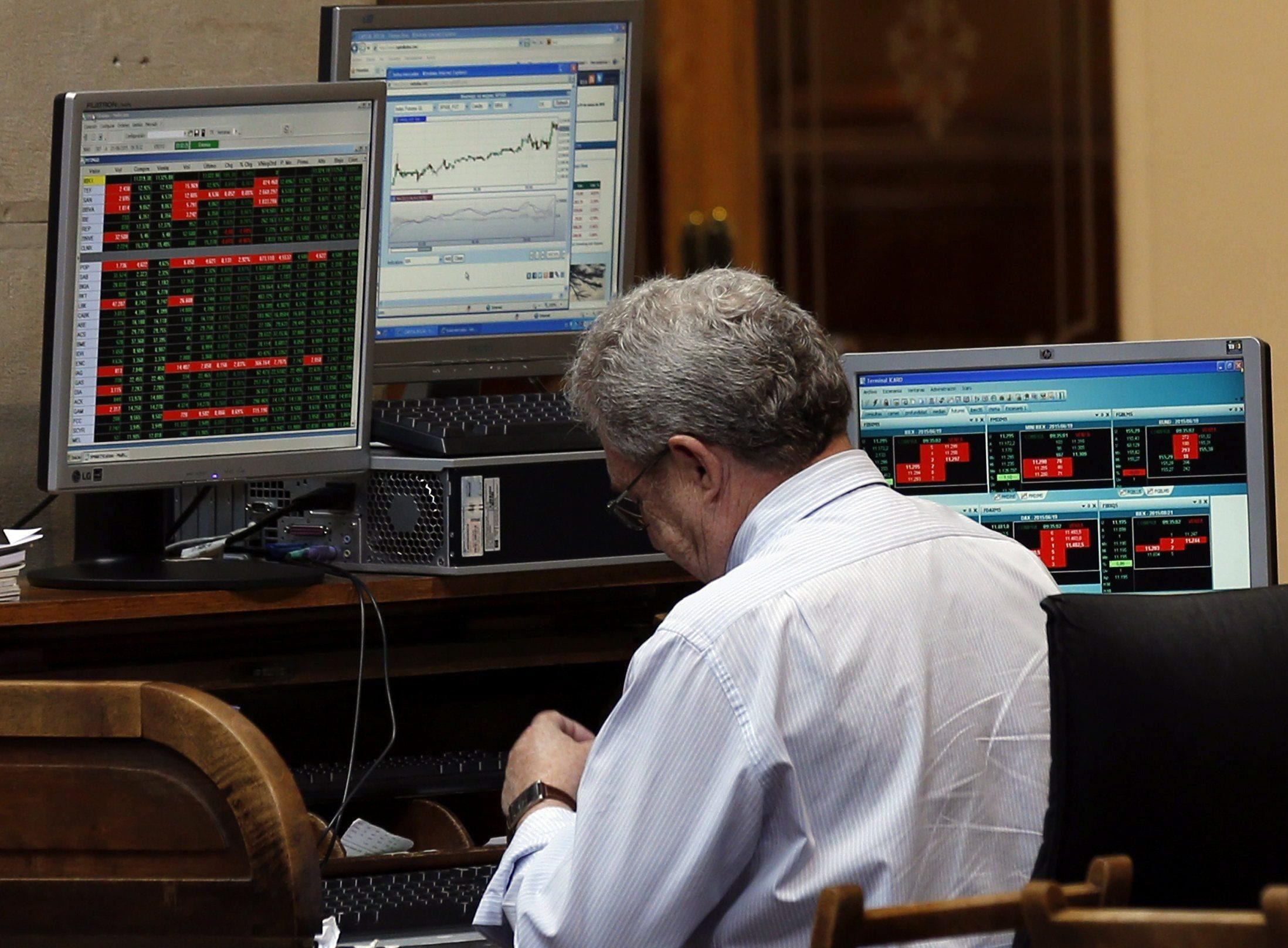 Borsa Milano apre in rialzo (+0,4%)