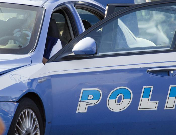 Arrestato tassista abusivo, violenze su giovani donne