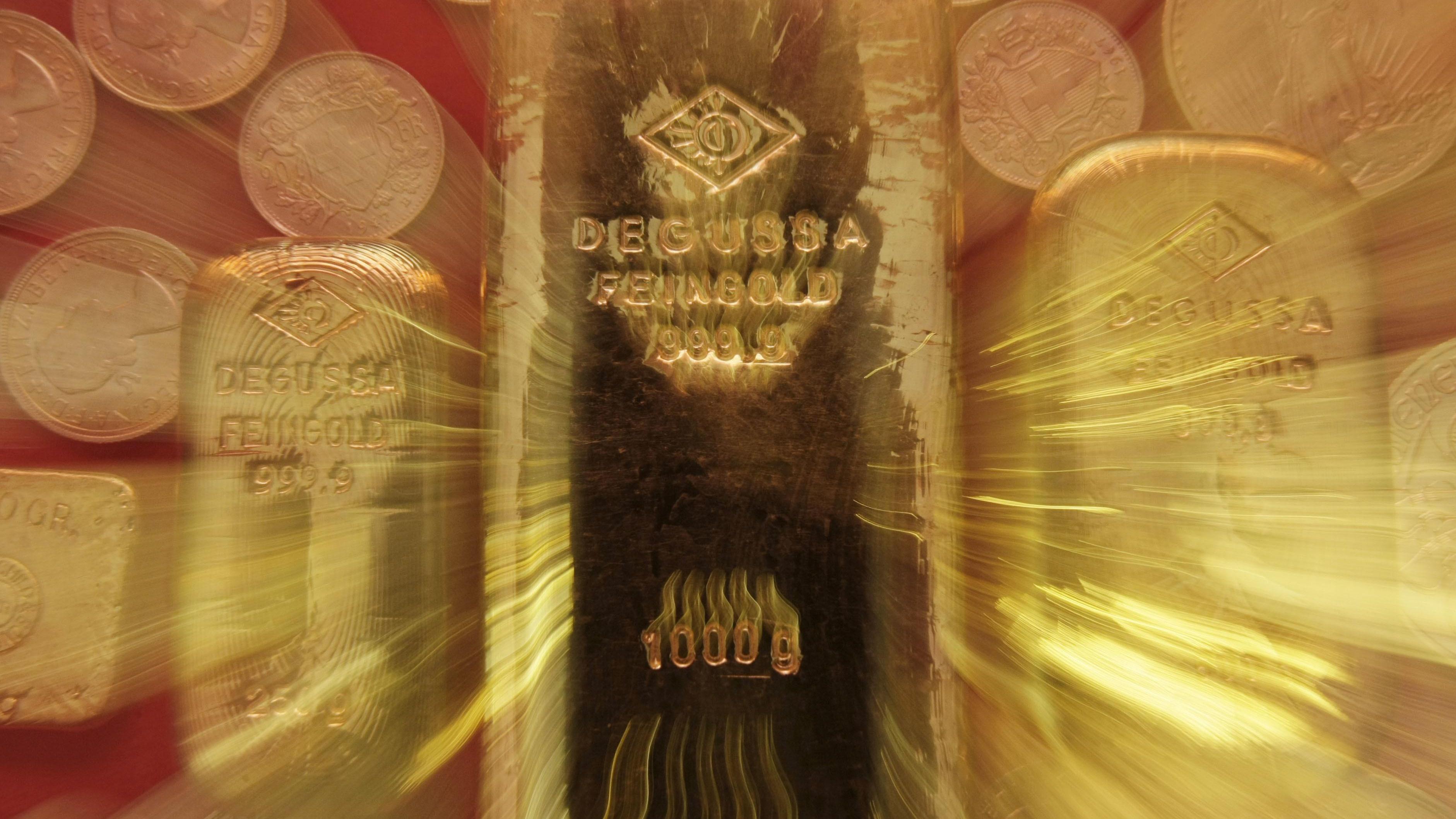 Oro, prezzo cala a 1308 dollari
