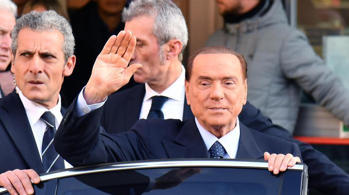 Berlusconi in Europa. Salvini: 'Non ci servono garanti in Ue'