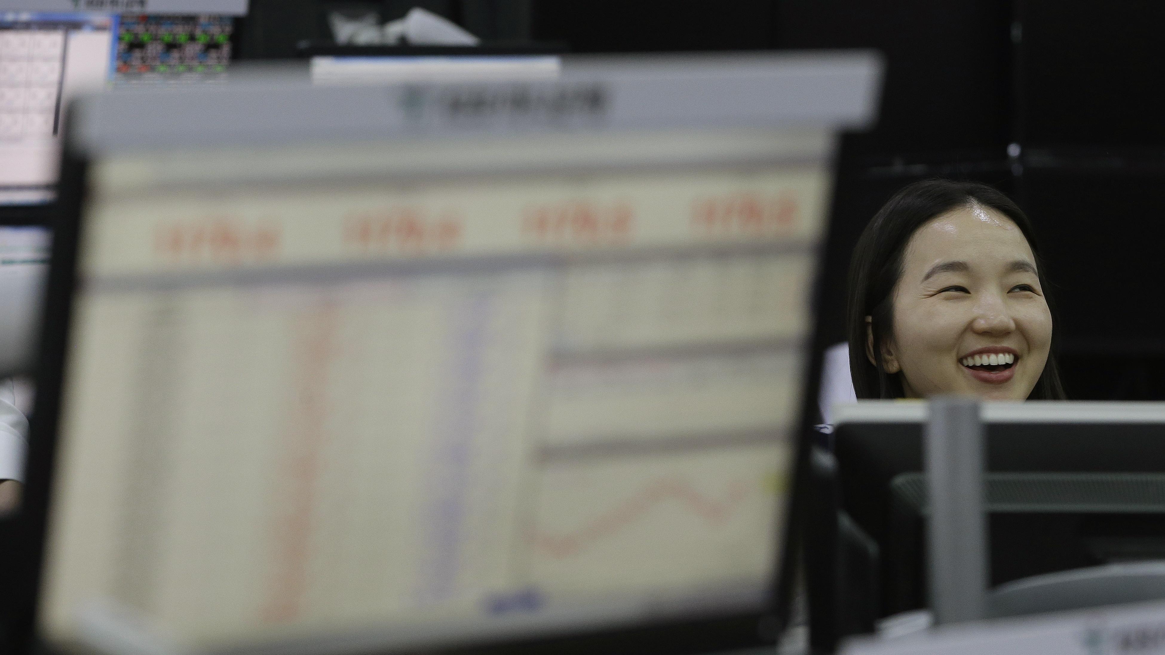 Borsa: Asia cresce, attende trimestrali
