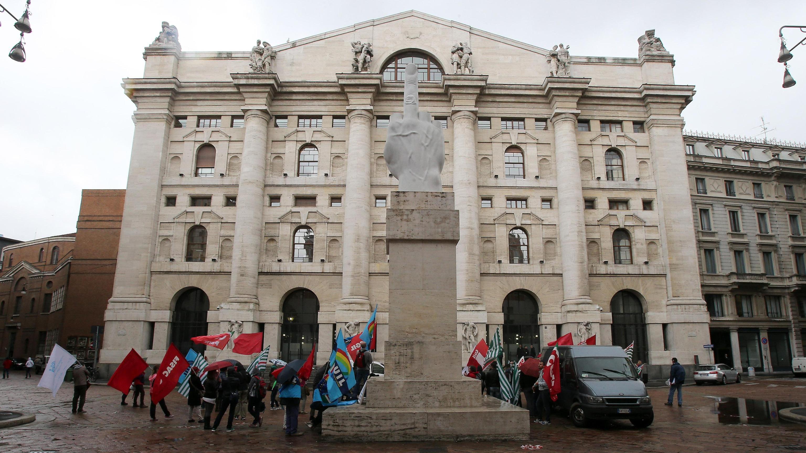 Borsa Milano bene con Europa, svetta Cnh