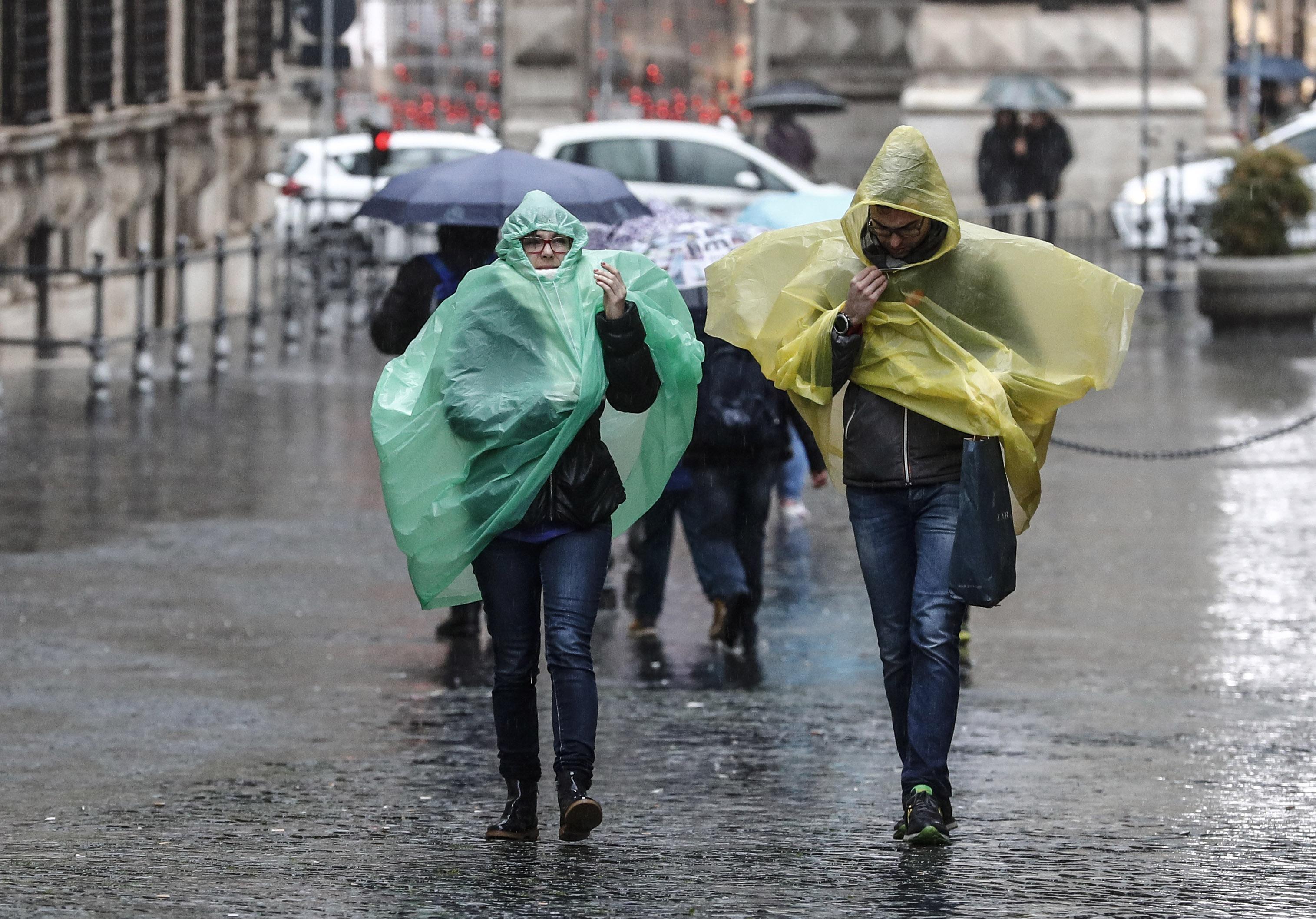 Maltempo: temporali e venti forti