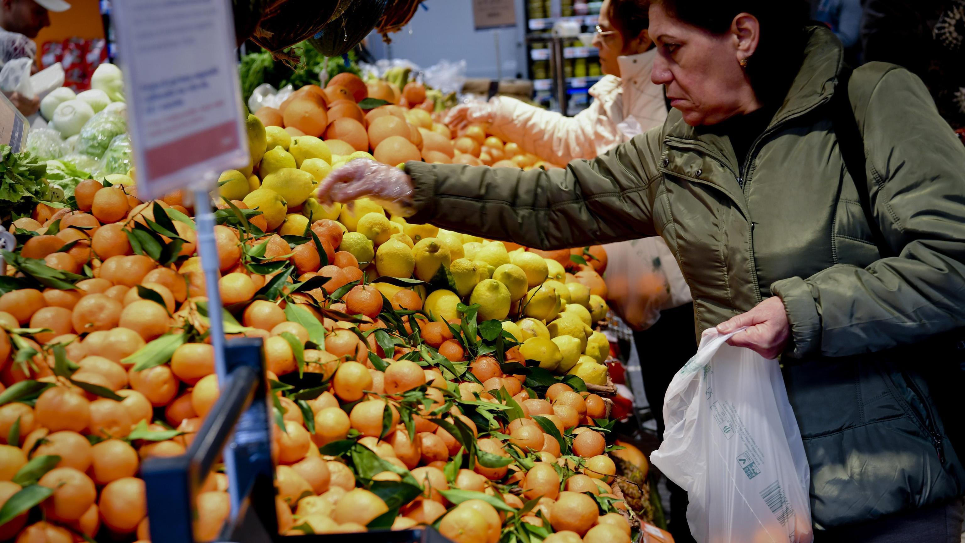 Istat conferma, prezzi dicembre +0,9%