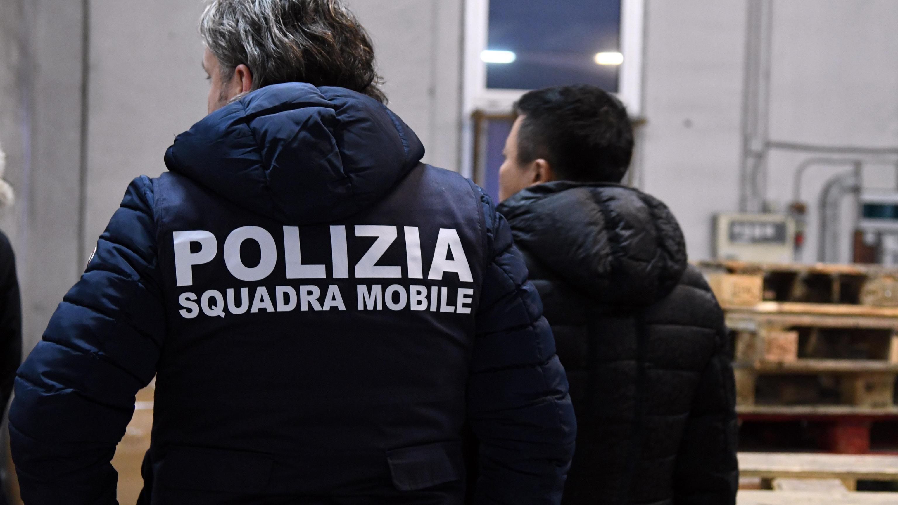 Mafia cinese: 25 arrestati ma 8 in fuga