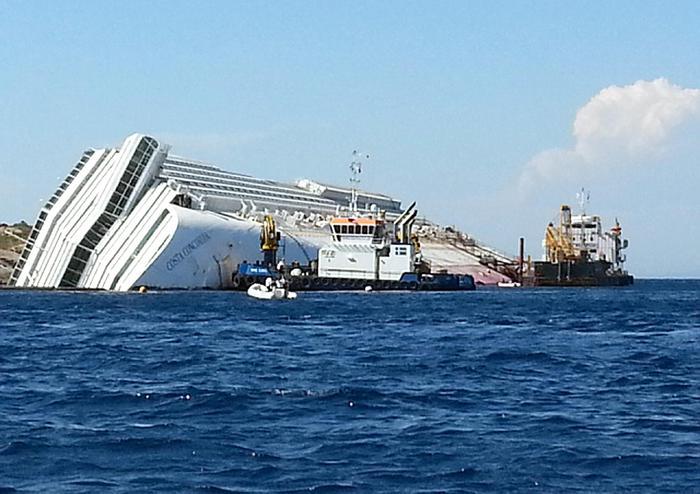 L'isola del Giglio ricorda il naufragio della Concordia