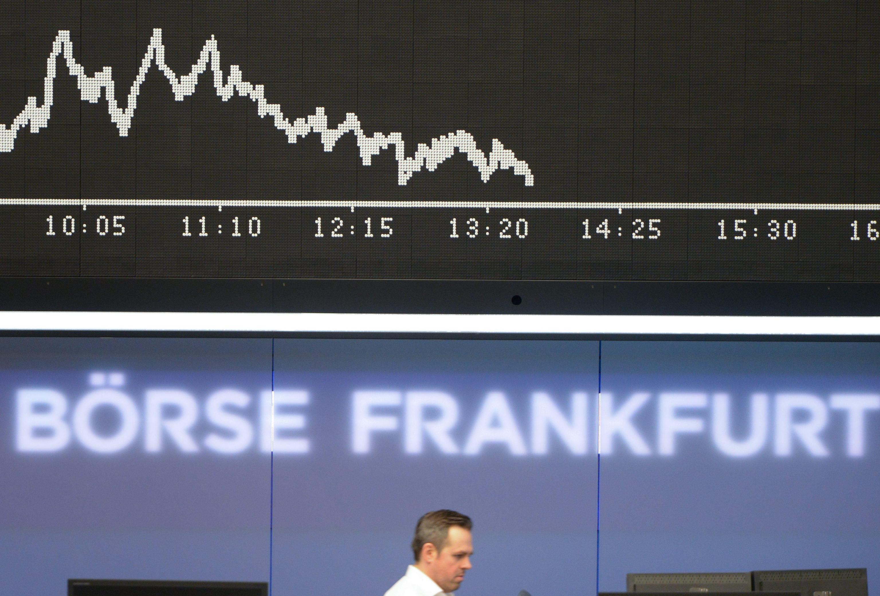 Borsa: Europa in calo, Francoforte -1%