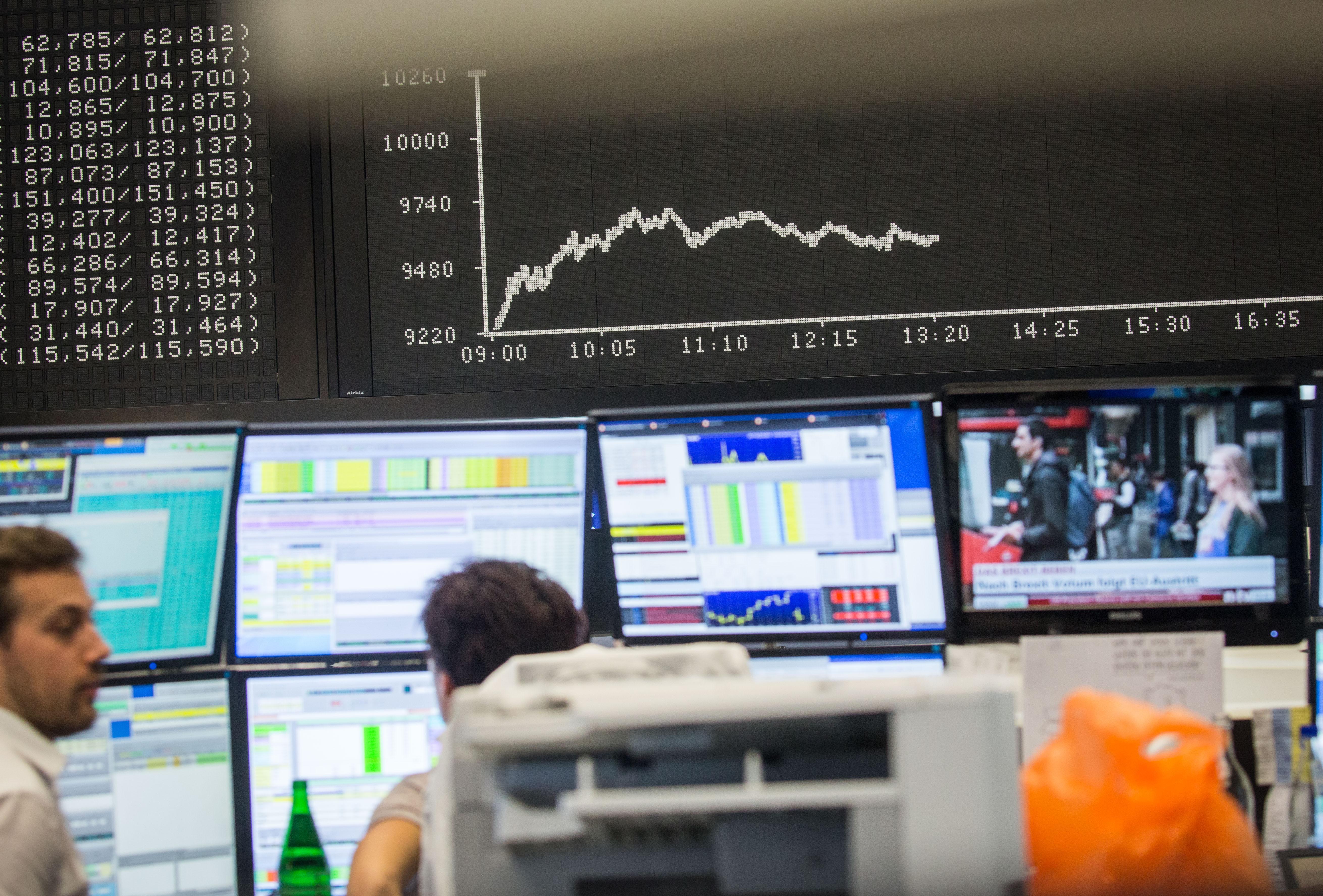 Borsa: Europa sale con dati inflazione