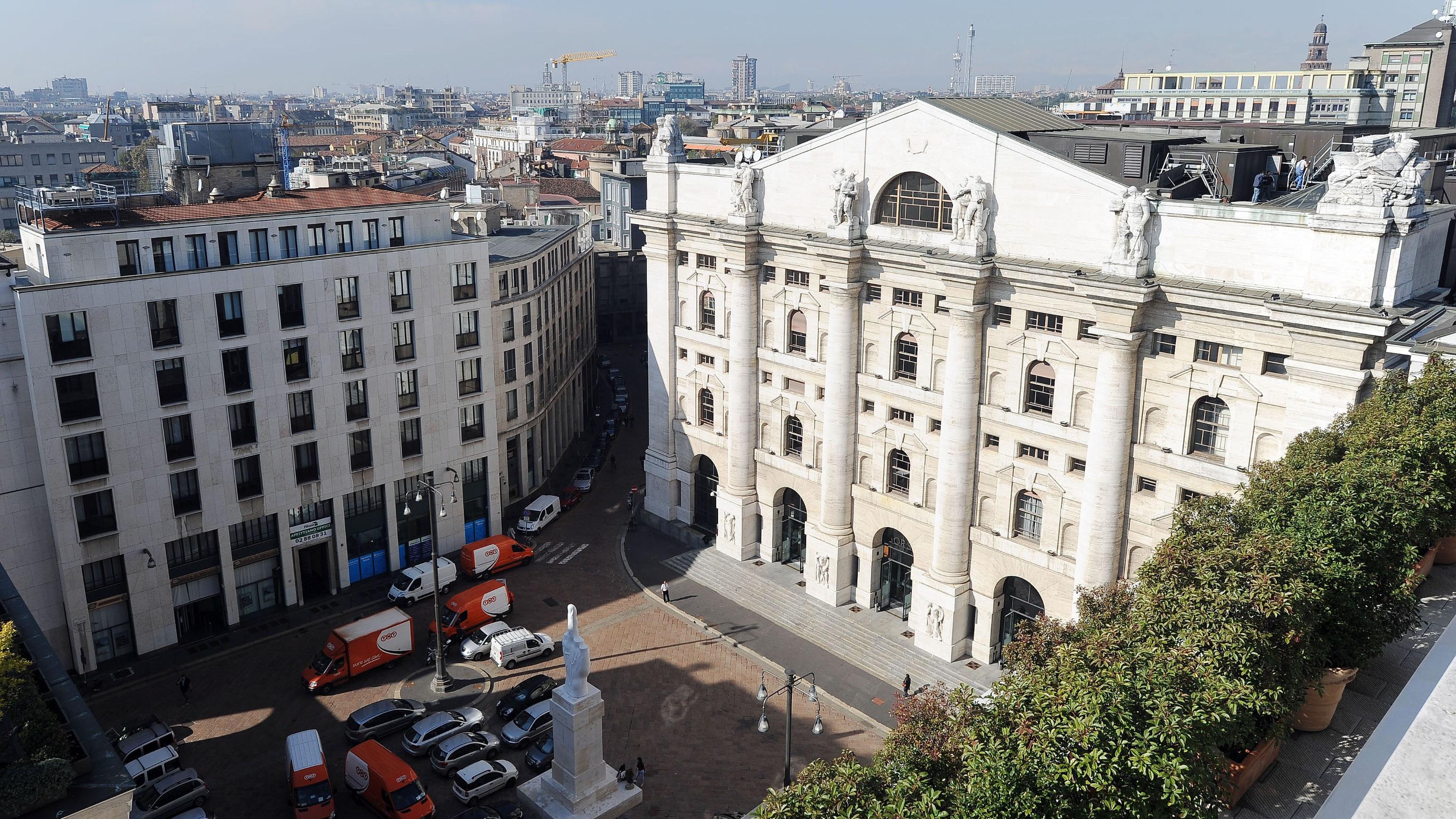 Borsa Milano supera i 24 mila punti