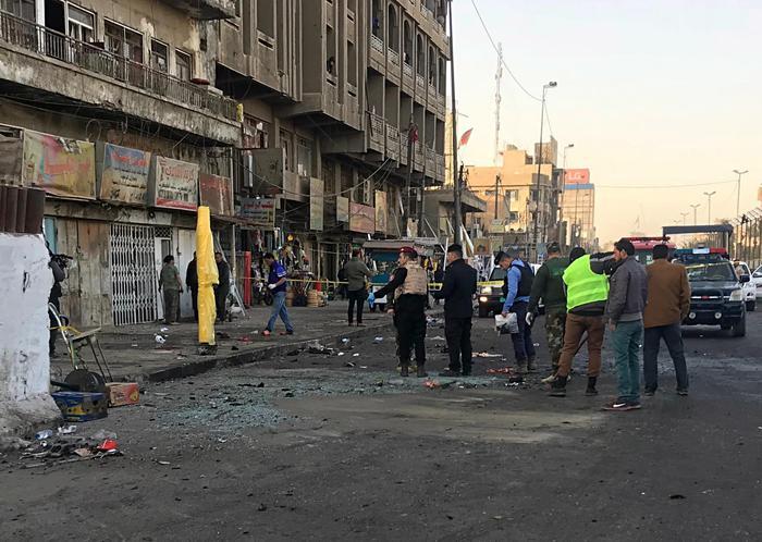 Baghdad, 38 morti e oltre 100 feriti in un duplice attacco