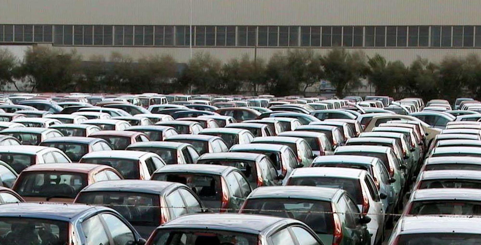 Auto: mercato Italia sfiora 2 mln