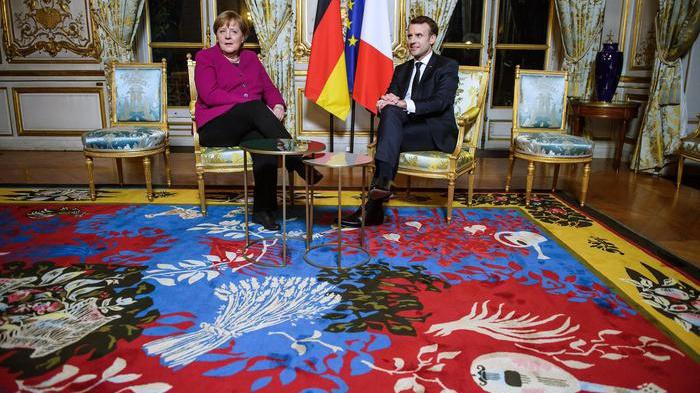 Macron-Merkel: 'Sfide europee richiedono risposte immediate'