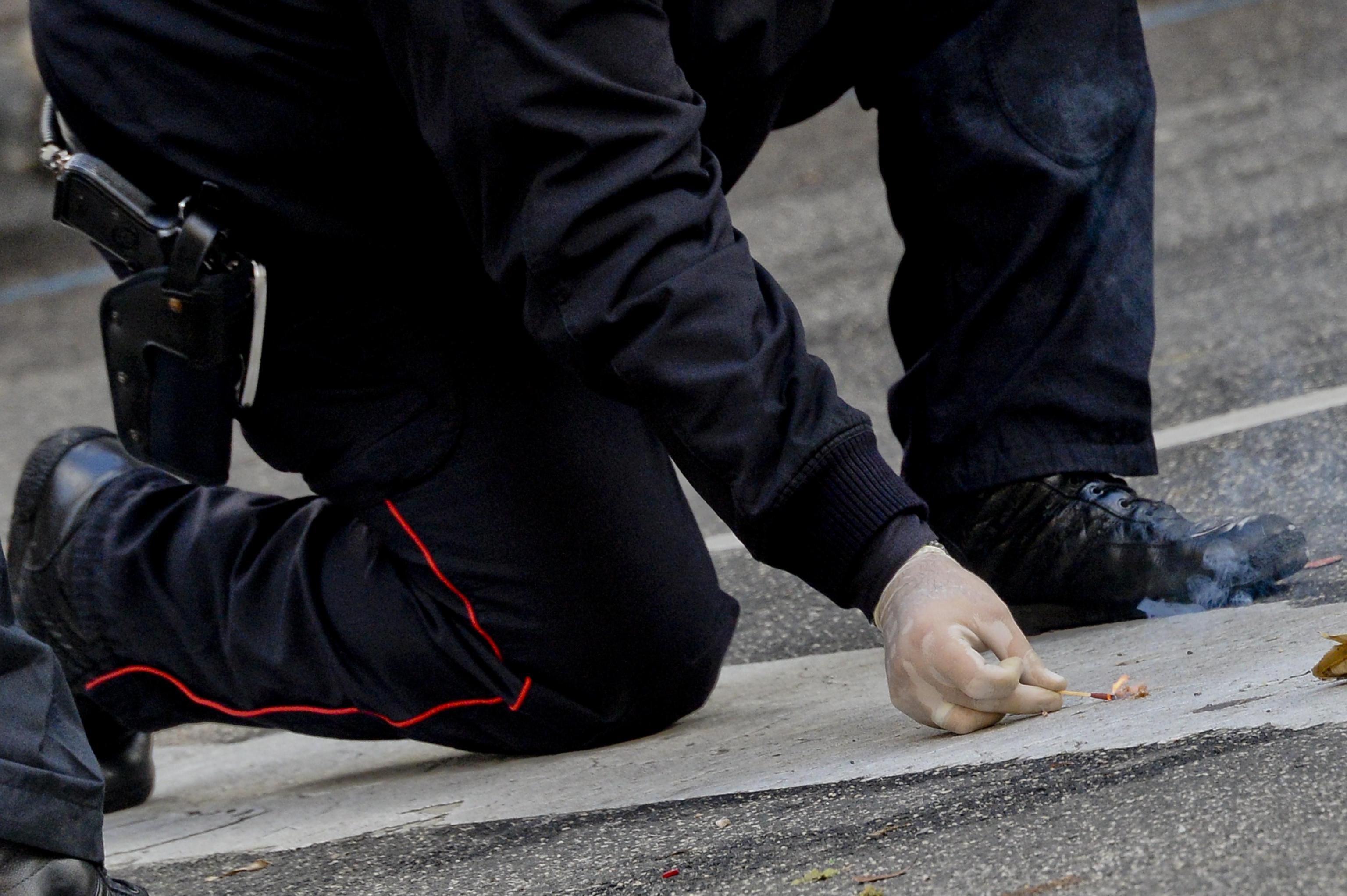 Bomba carta esplode a Torino, 4 feriti