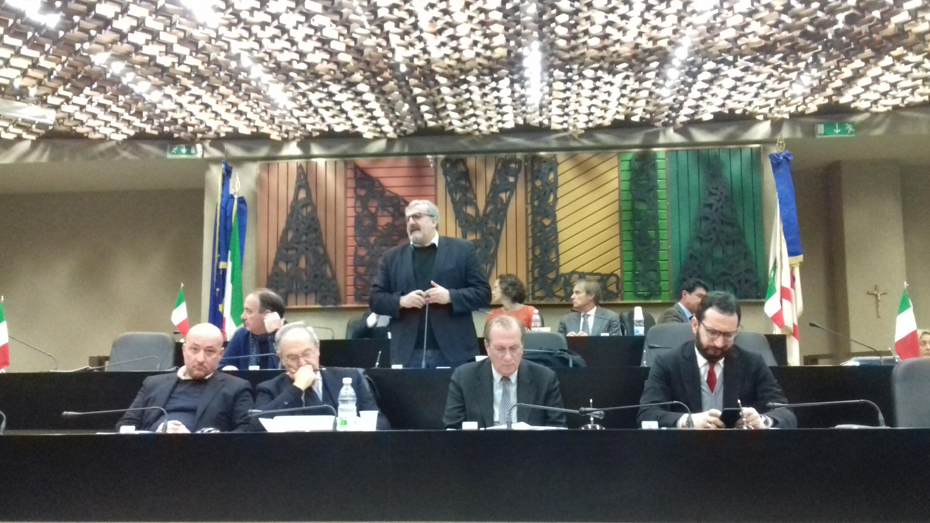 Ilva: Emiliano chiede rinvio voto odg