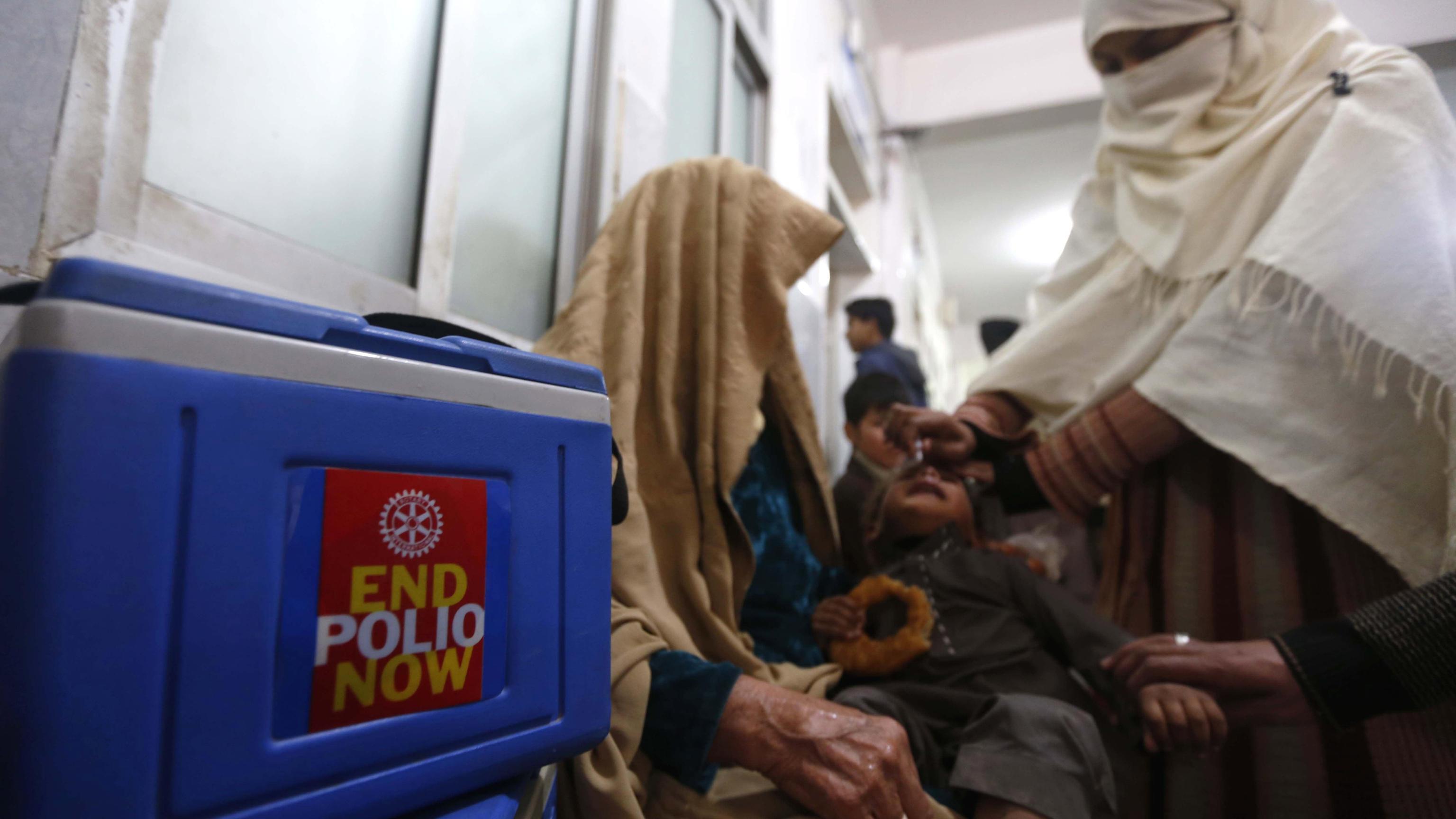 Pakistan: attacco anti-vaccini, 2 uccise