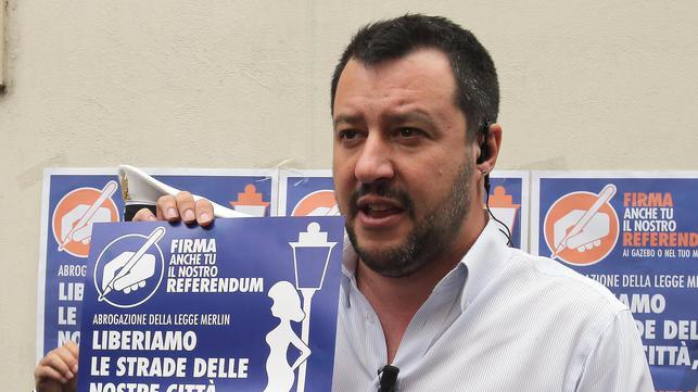 Salvini: 'Riaprire le case chiuse'