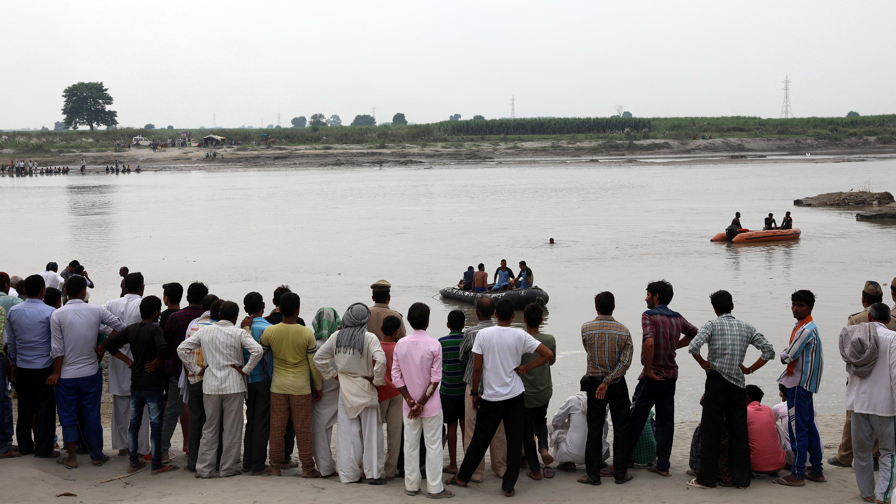 India: affonda barcone con 40 alunni