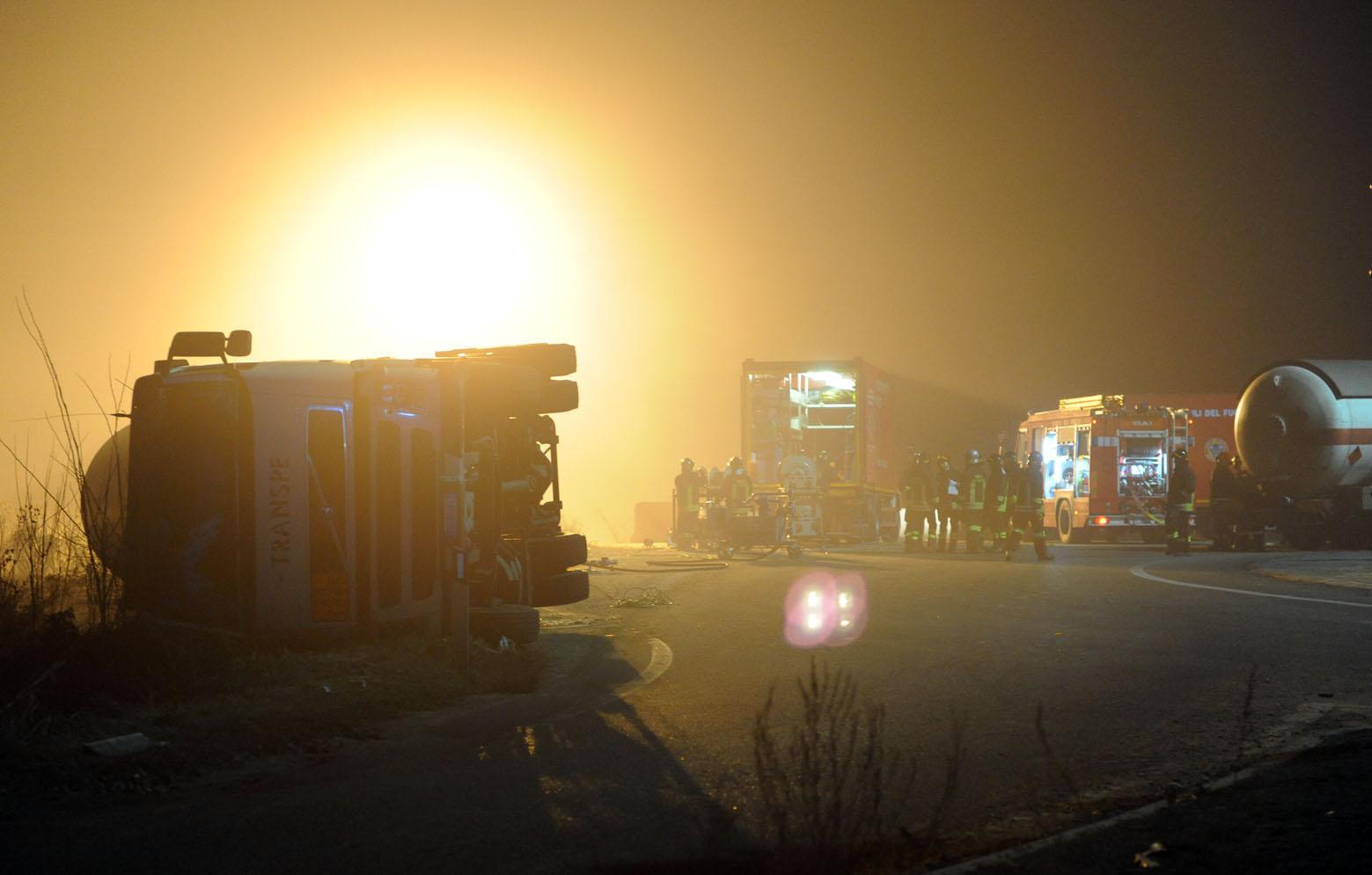 Incidente in A21: 6 morti, anche 2 bimbi