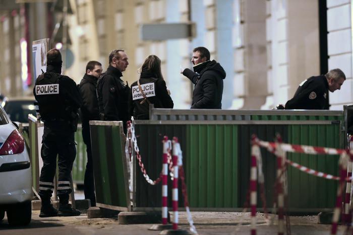 Rapina da film al Ritz a Parigi,  ritrovata parte della refurtiva