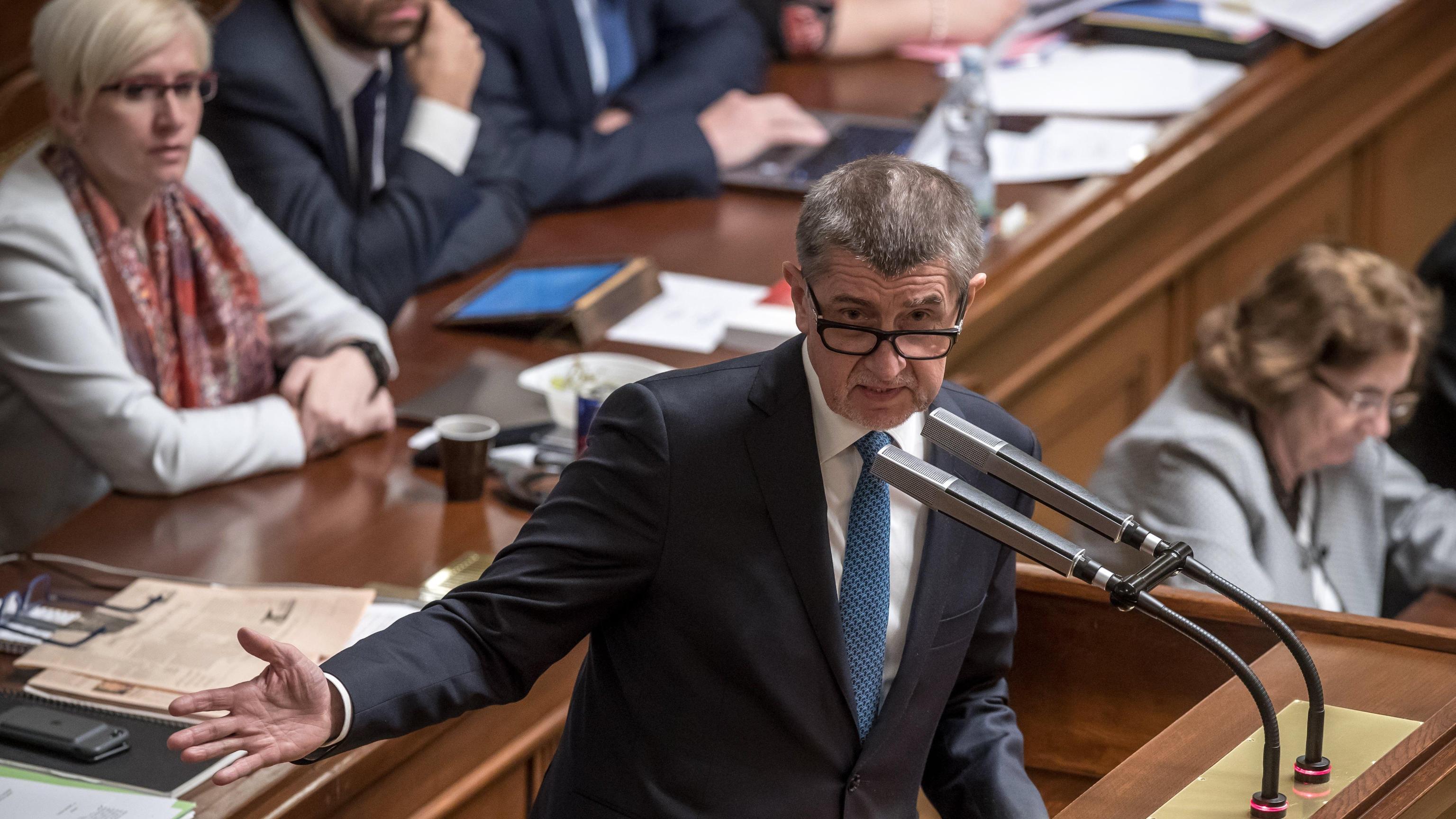 Parlamento Praga nega fiducia a Babis