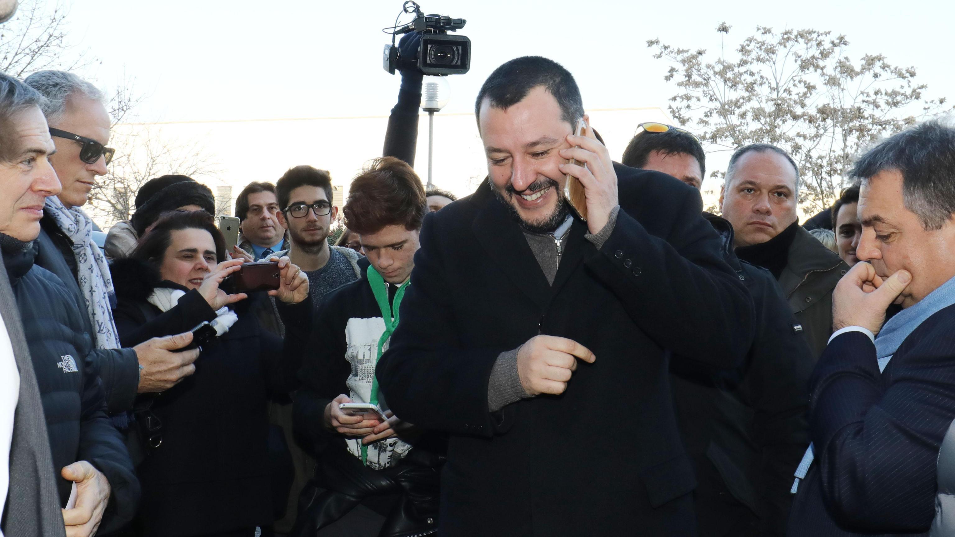 Salvini a Maroni, se lasci non fai altro