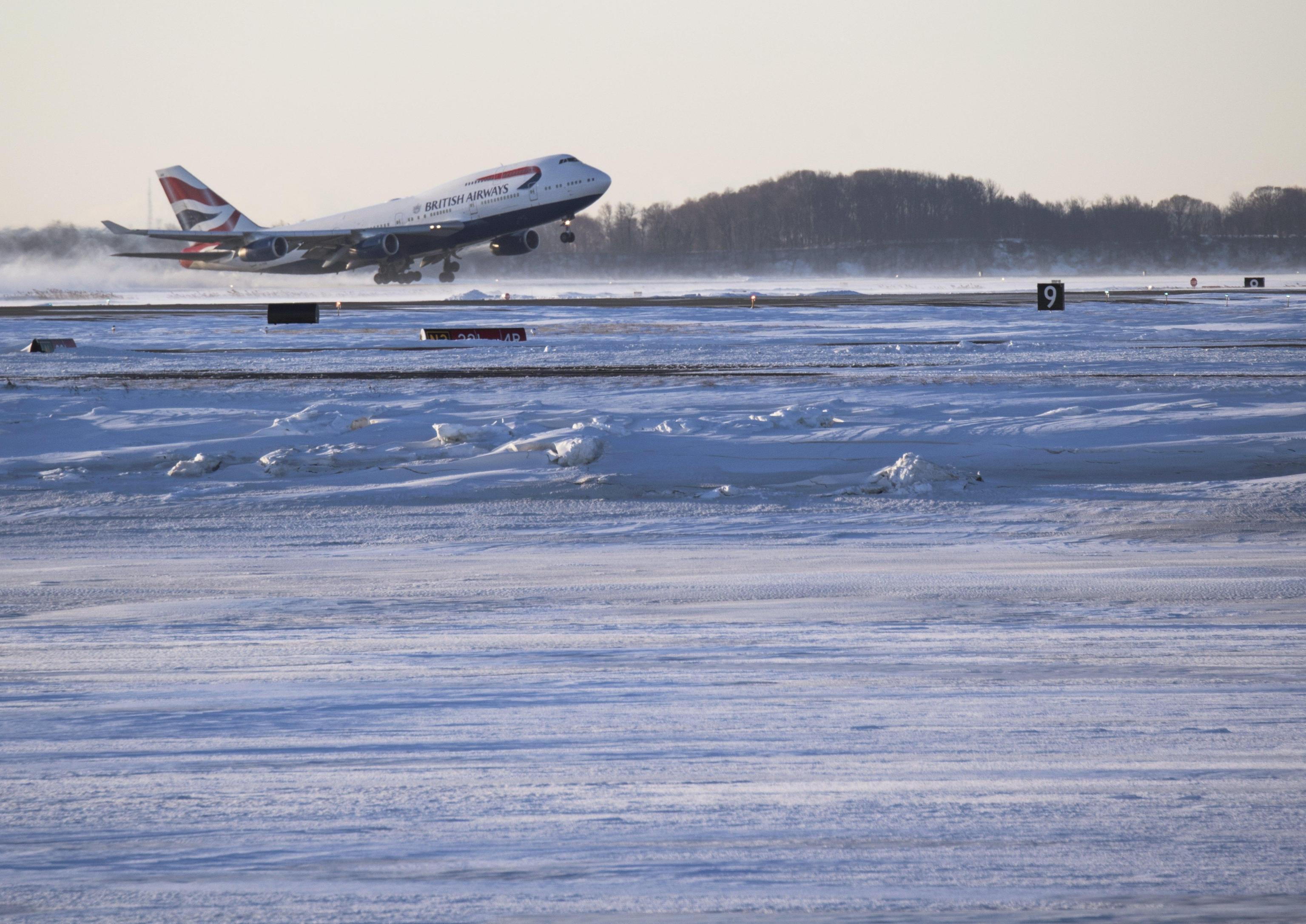 Usa: gelo record a NY, caos a scalo Jfk