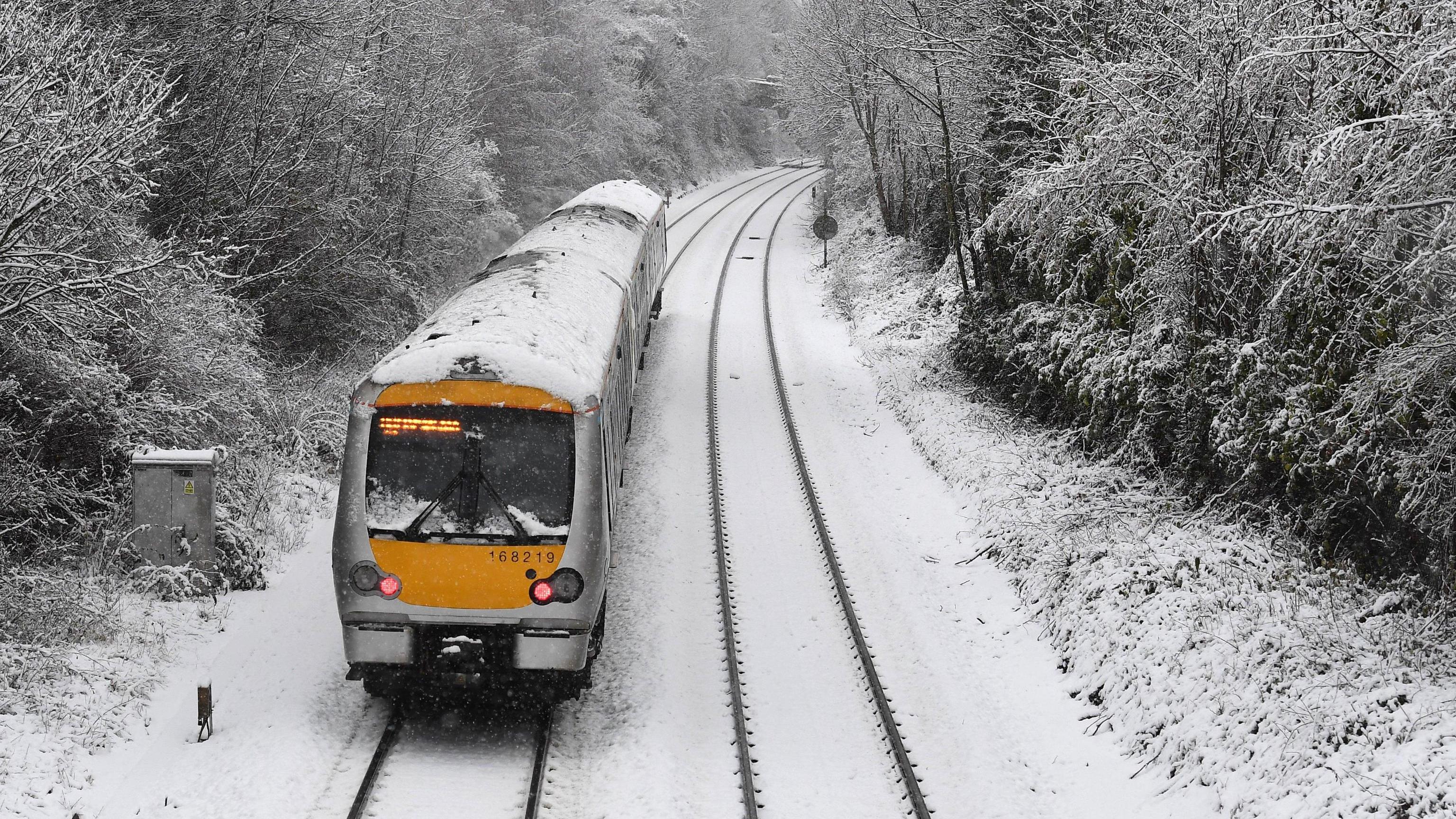 Allerta neve in nord Gb, chiuse scuole
